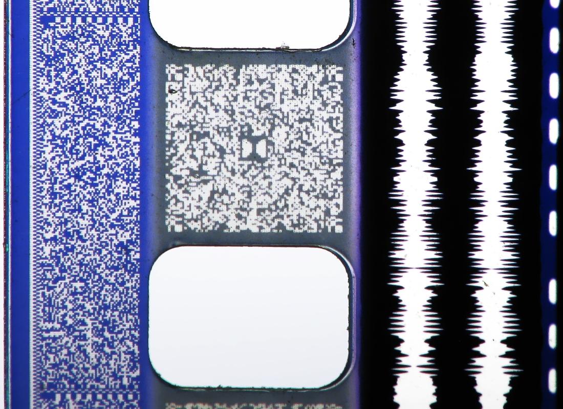 35mm_film_audio_macro